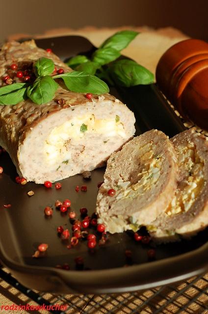Pieczeń z mięsa miellonego z farszem jajeczny_domowa wędlina_pieczeń rzymska_przepisy na Wielkanoc