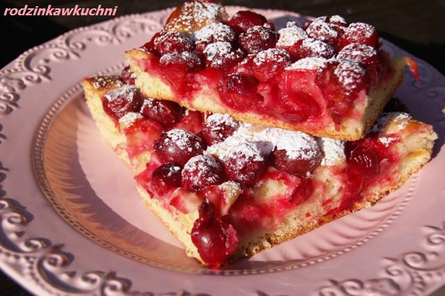 placek drożdżowy z wiśniami_ciasto drożdżowe_ciasto z owocami