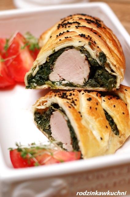 polędwiczka ze szpinakiem w cieście francuskim_mięso w cieście_pieczeń_dania z wieprzowiny_danie na Wielkanoc