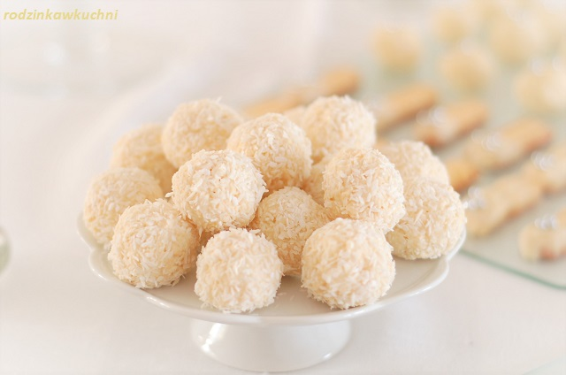 praliny kokosowe_praliny kokosowe z wafelkami_praliny jak raffaello