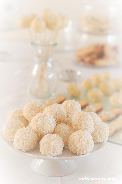 praliny kokosowe_domowe raffaello_praliny kokosowe z migdałami