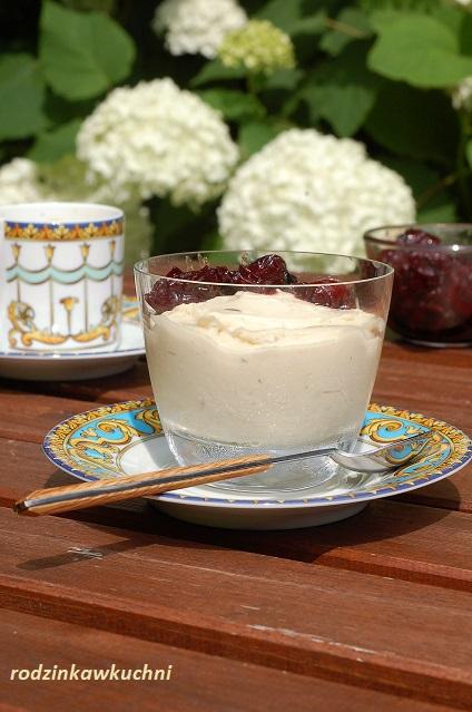 Pudding jaglany z sosem wiśniowym_kasza jaglana na słodko__deser jaglany_zdrowy deser
