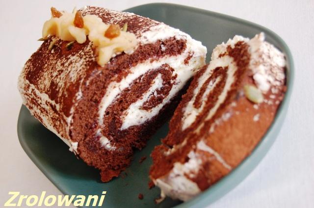 akcja_zrolowani_rolada czekoladowa z marcepanem i porzeczkami_rolada czekoladowa_ciasta z kremem
