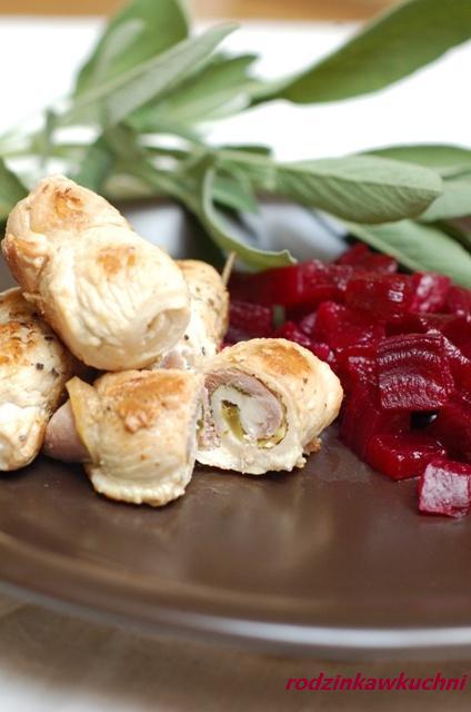 Roladki z indyka z karmelizowanymi buraczkami_dania z drobiu_warzywa na ciepło_rolady mięsne