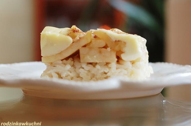ryż zapiekany z jabłkami i budyniem_słodki obiad_obiad bez mięsa