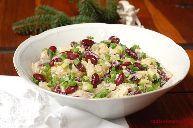 sałatka śledziowa z czerwoną fasolą_sałatka z rybą_sałatka na Boże Narodzenie_danie postne