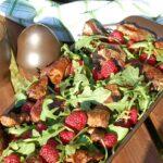 Sałatka z rukoli, wątróbki i malin
