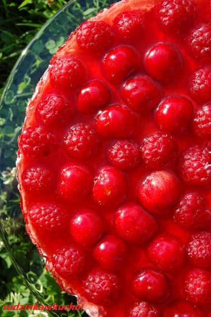 sernik na zimno z malinami i czereśniami_sernik_ciasto z owocami_ciasto z galaretką_przepisy na lato
