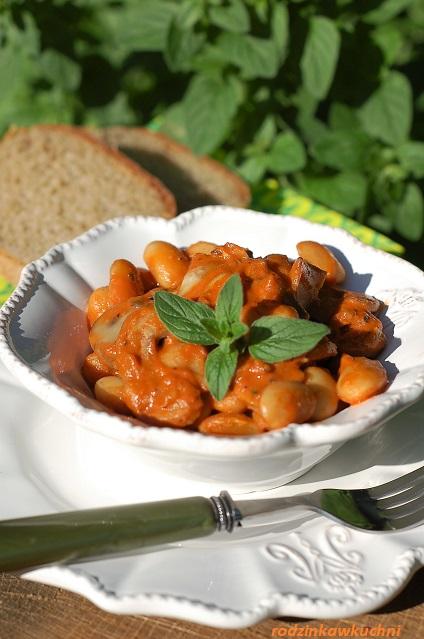 strogonow z fasoli_obiad wegetariański_obiad bez mięsa_gulasz z fasoli
