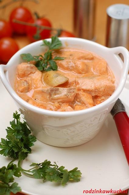 strogonow z pstrąga_szybki obiad_danie rybne_gulasz rybny