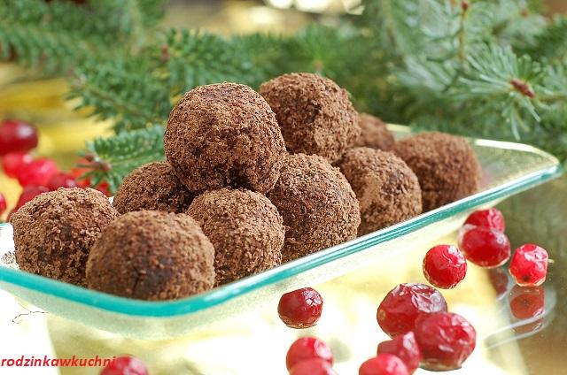 świąteczne kulki mocy_zdrowe trufle_zdrowe słodycze_fit praliny