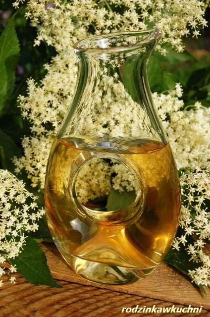 syrop z kwiatów czarnego bzu_jadalne kwiaty_syrop z hyćki_przetwory