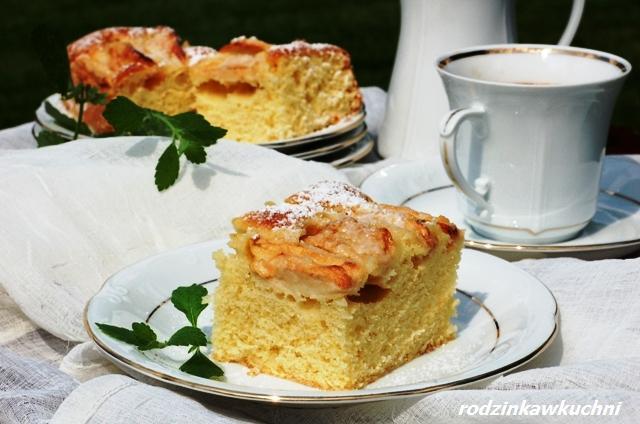 Ciasto jogurtowe z papierówkami (błyskawiczne i proste)_placek jogurtowy błyskawiczny_ciasto z owocami