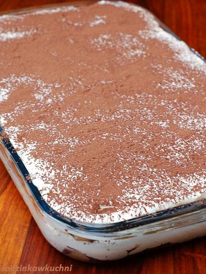 tiramisu_deser włoski_deser z mascarpone_deser z kawą_deser z alkoholem_ciasto bez pieczenia