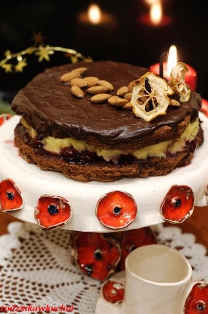 torcik czekoladowy z kremem migdałowym i wiśniami_torcik noworoczny_torcik bezglutenowy_torcik z kaszą jaglaną