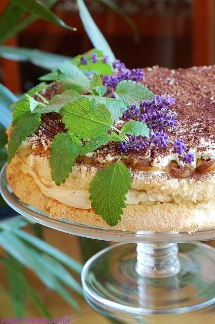 tort banoffee_trort z bananami_tort z kajmakiem_kotr z kremem_ciasto przekładane