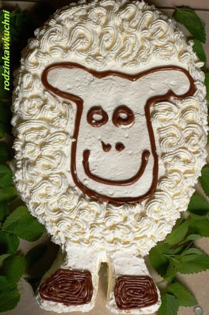 Tort - baranek Szon_ciasta z kremem_ciasta z owocami_dania dla dzieci