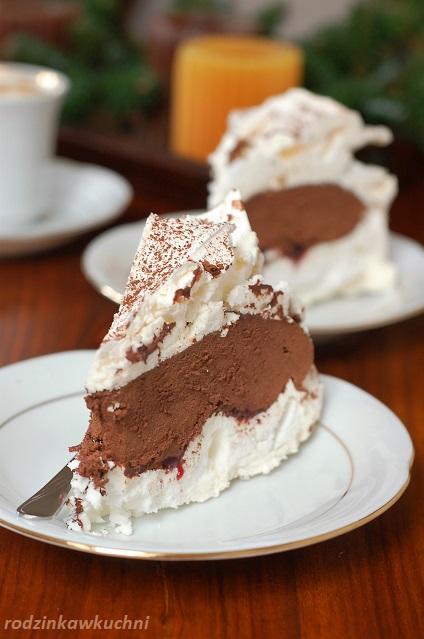 tort bezowy z truflą czekoladową_tort dla gości_tort czekoladowy