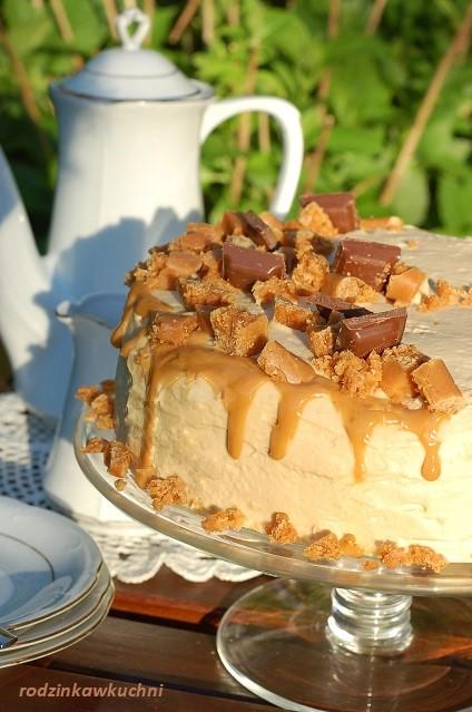 tort kajmakowy_tort z kremem krówkowym_tort na biszkopcie_tort z kremem mascarpone