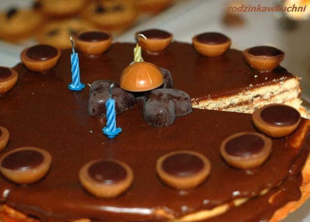 tort mazowiecki z kajmakiem i morelami_kuchnia mazowiecka_torty