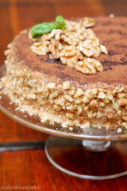 tort orzechowy_tort tradycyjny_tort z masą maślaną_tort na biszkopcie orzechowym_tort na specjalne okazje