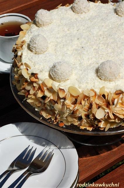 tort raffaello_tort kokosowo-migdałowy_tort z truskawkami_tort urodzinowy_tort komunijny