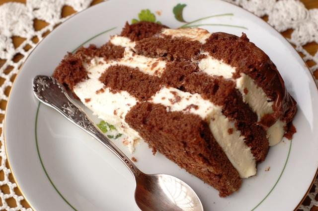 tort szachownica_ciasto z kremem_ciasto czekoladowe