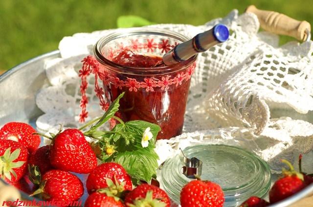 tradycyjny dżem truskawkowy_dżem z truskawek_dżem smażony z truskawek_dżem babciny