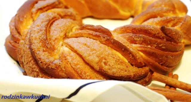 Estoński kringel_ciasto drożdżowe_ciasto z cynamonem