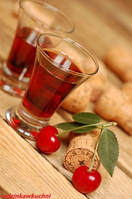 wiśniówka na miodzie_nalewka wiśniowa_domowe alkohole