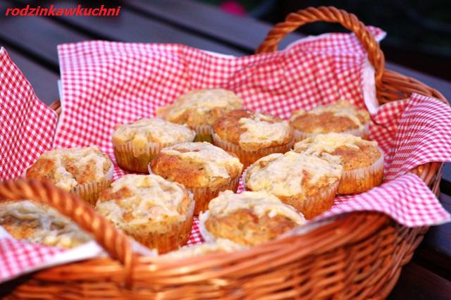 wytrawne, pełnoziarniste muffinki_muffiny z boczkiem