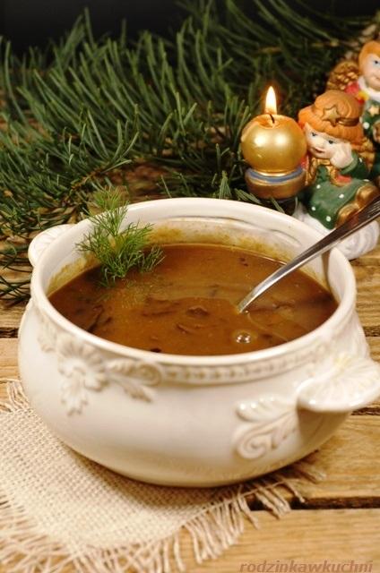 zupa grzybowa z suszonych grzybów_zupa wigilijna_kuchnia mazowiecka_przepisy na Wigilię