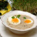 żurek, tradycyjna polska zupa na zakwasie żytnim z jajkami