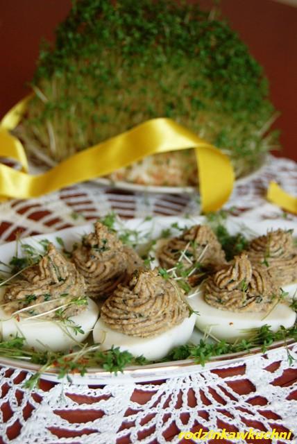 jajka faszerowane pieczarkami_przystawki_dania wegetariańskie_Wielkanoc