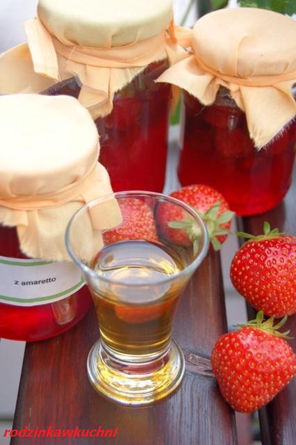 konfitura truskawkowa z amaretto_przetwory owocowe