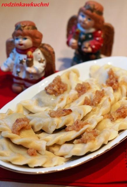 pierogi z suszonymi śliwkami_pierogi gotowane_Boże Narodzenie