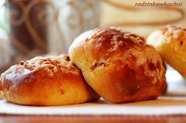 słodkie bułeczki_bułki drożdżowe_kuchnia mazowiecka
